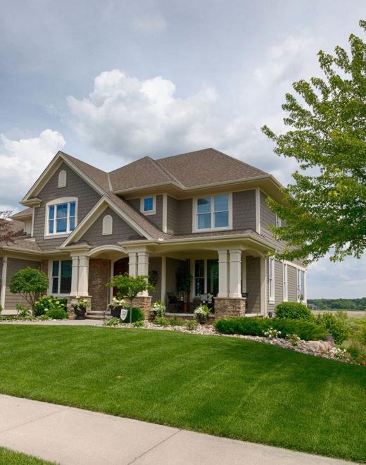 suburban-house-984568356-5bf105c246e0fb0026f80700
